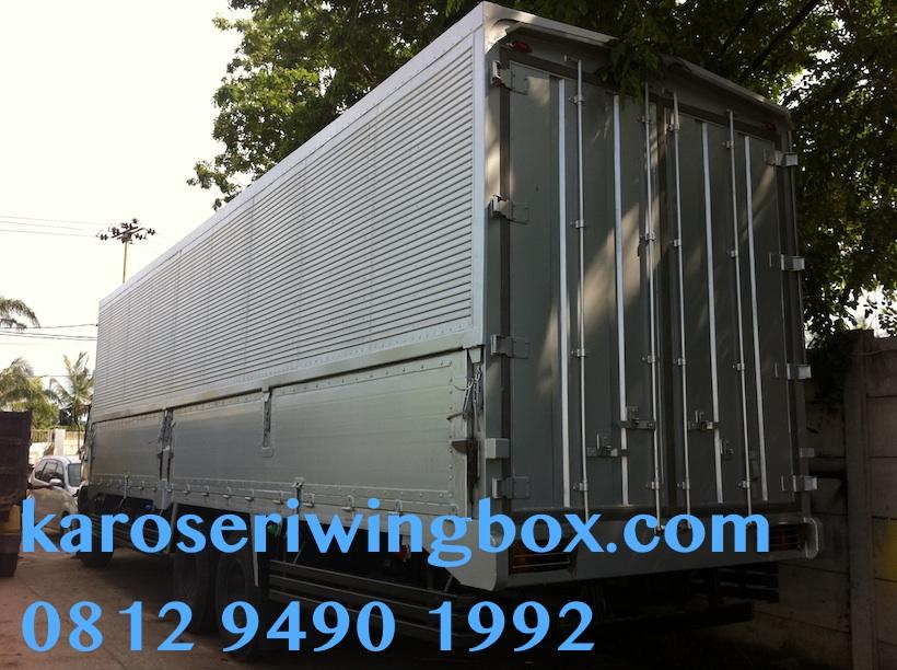 karoseri-wingbox-tronton-hino