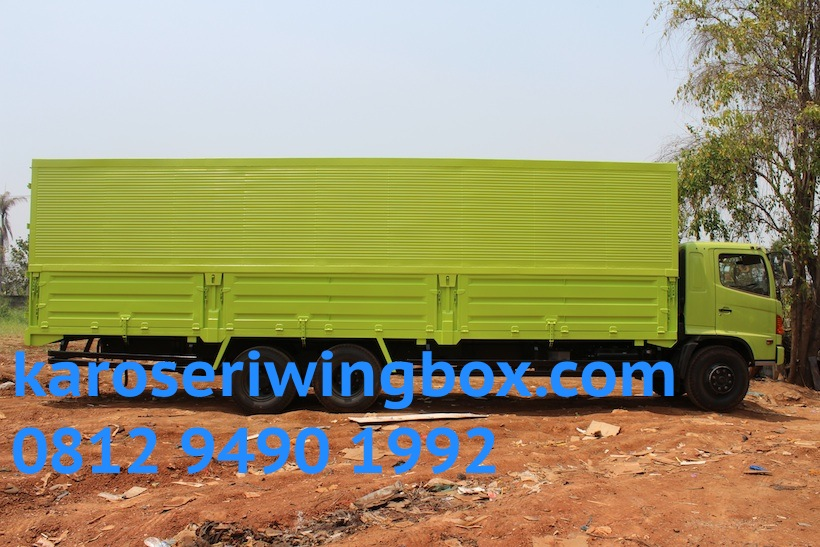 hino-fl-235-jw-karoseri-wingbox-9.7-meter-3