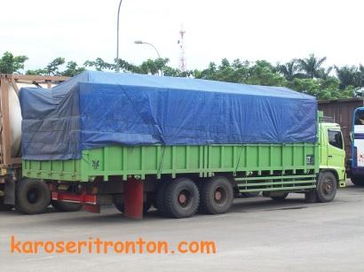 karoseri-tronton truk akap-1